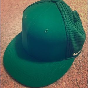 Green adjustable Nike drift hat